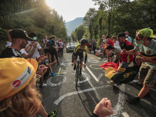 Команда Mitchelton-Scott снялась из-за коронавируса с Джиро дИталия